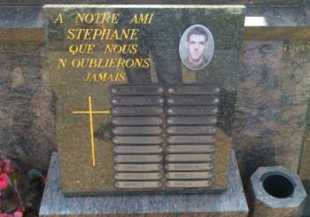 RAJOUT DES PRÉNOMS SUR UN MONUMENT / Stéphane Claude Magloire RAOULT / Mort pour la France le 19/08/1995 en Bosnie- Herzégovine/ SARAJEVO